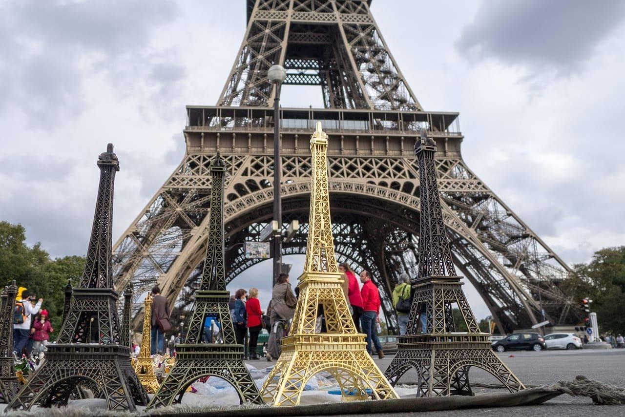 брелок эйфелева башня
