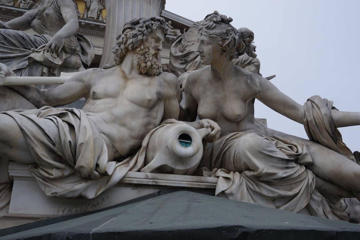 rimskaja-statuja-v-vene