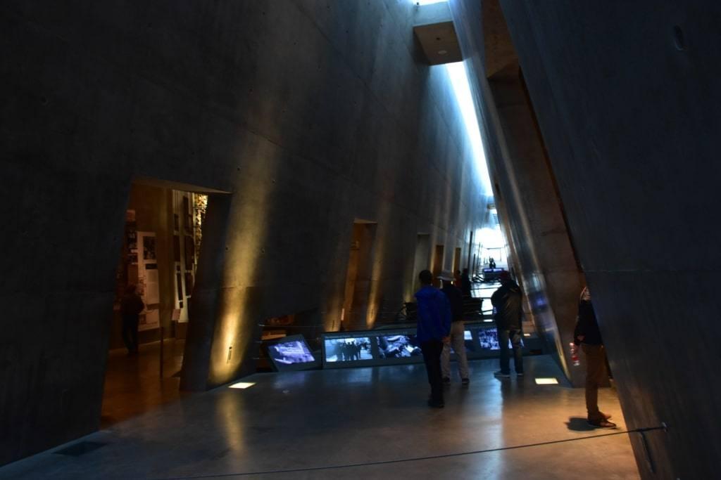 muzej-holokosta-chem-zanjatsja-v-ierusalime