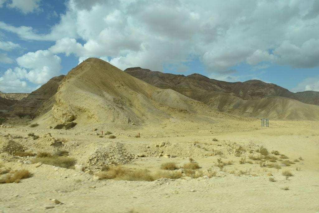 gory-pustynja-doroga-v-eilat