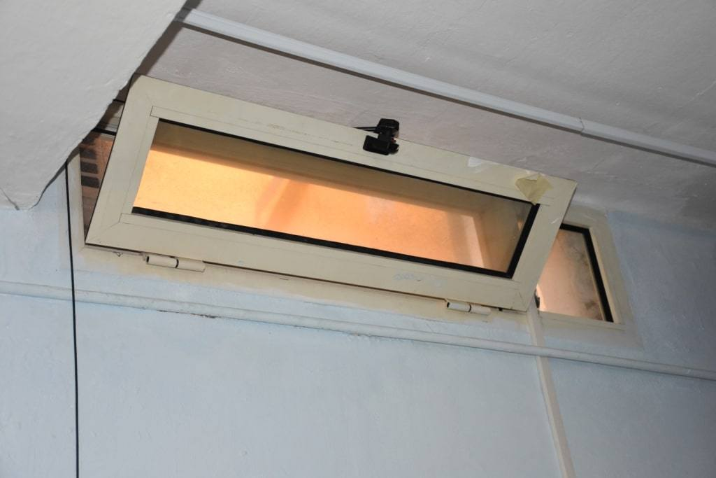 Мини-окно, квартира-матрешка и автомат с коноплей. Короткий обзор моей болонской квартиры.
