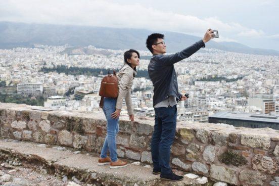 turisty-akropol