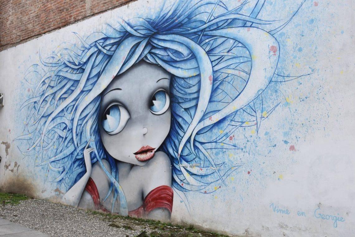 kutaisi-graffiti-devushki