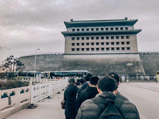 Как добраться до Великой Китайской стены из Пекина? Едем в Бадалин