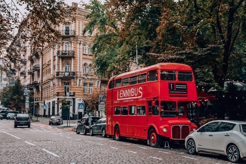 lenny-bus