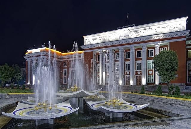 Душанбе - современная столица у подножия Памира